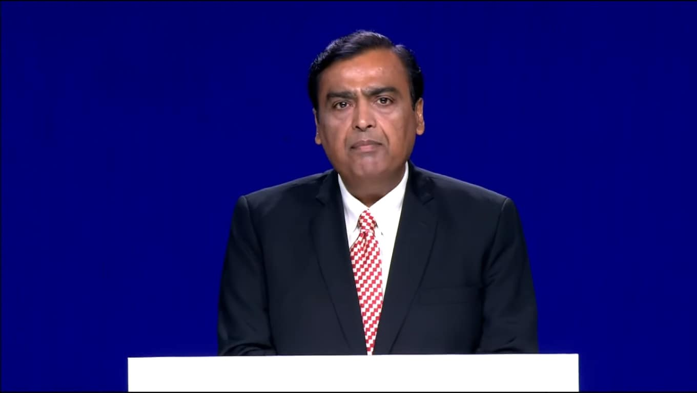 Nomura gave a 'buy' rating to the stock with a price target at Rs 1,600 per share saying that the roadmap to zero net debt plan is a key positive. The brokerage further added that the oil-to-chemical business may not be demerged soon, and that the Saudi Aramco deal will be 6 percent EPS dilutive for company's standalone by FY21. (Stock Image)