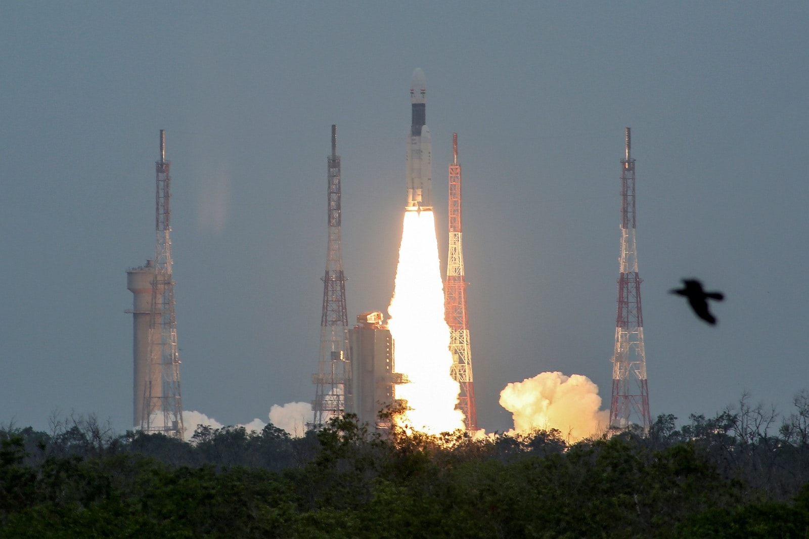 Mk III-M1 blasts off carrying Chandrayaan-2, from the Satish Dhawan Space Centre at Sriharikota, on July 22, 2019. (Reuters)