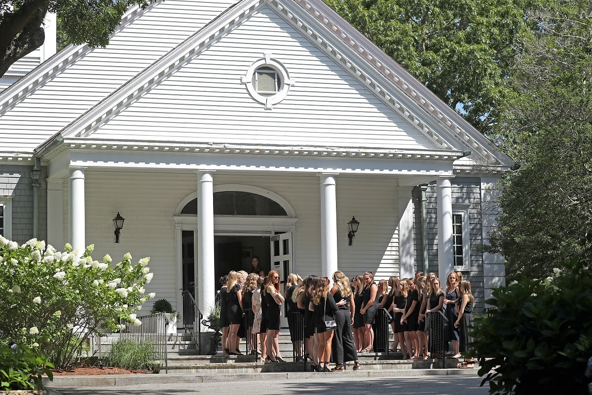 Mourners pay respect at the funeral mass for Saoirse Kennedy Hill, granddaughter of Robert F Kennedy. (David L. Ryan/The Boston Globe/Pool via REUTERS)