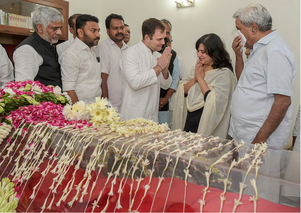 Congress leader Rahul Gandhi expresses his condolences to family members of former external affairs minister Sushma Swaraj at her residence in New Delhi. (PTI Photo/Vijay Verma)