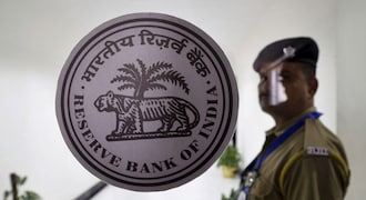 RBI annual report: Counterfeit detection spikes, bank fraud value shoots up 74%