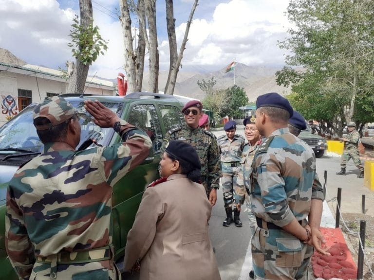 Lt. Col MS Dhoni celebrates Independence Day in Ladakh