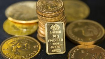 Gold up in line with global trend