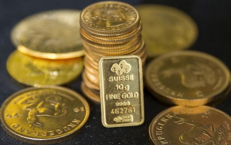 Gold falls as rupee rallies on FM's announcements