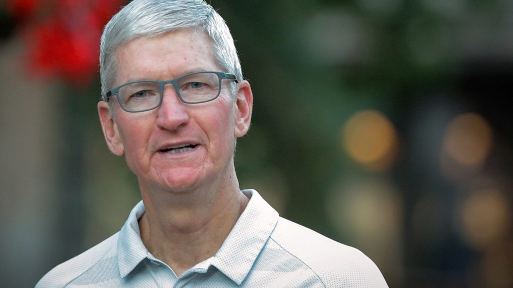 Apple CEO Tim Cook warns Donald Trump about China tariffs, Samsung competition