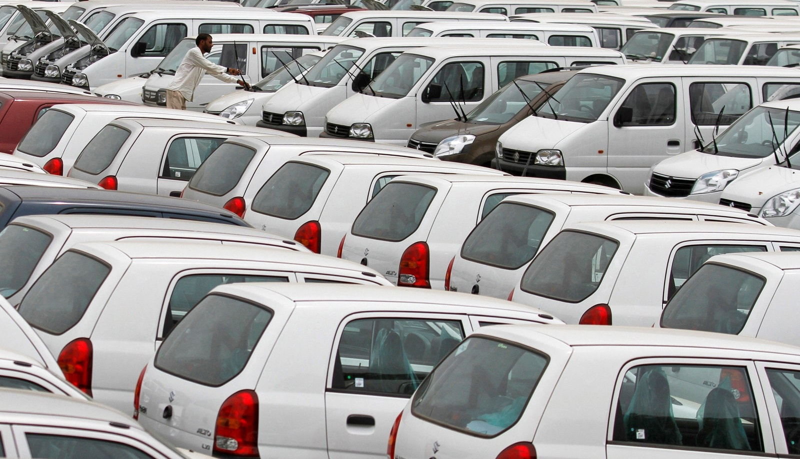 Maruti Suzuki: Suzuki Motor India Pvt Ltd has decided to hold back its planned investments on capacity enhancement due to the ongoing slowdown in two-wheeler sales and expectation of a hit in the market by the transition to stricter BS-VI emission norm from BS-IV in April 2020, a senior company official told PTI. (Photo: REUTERS/Amit Dave/Files)