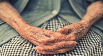 How the elderly can bank smoothly without visiting a branch