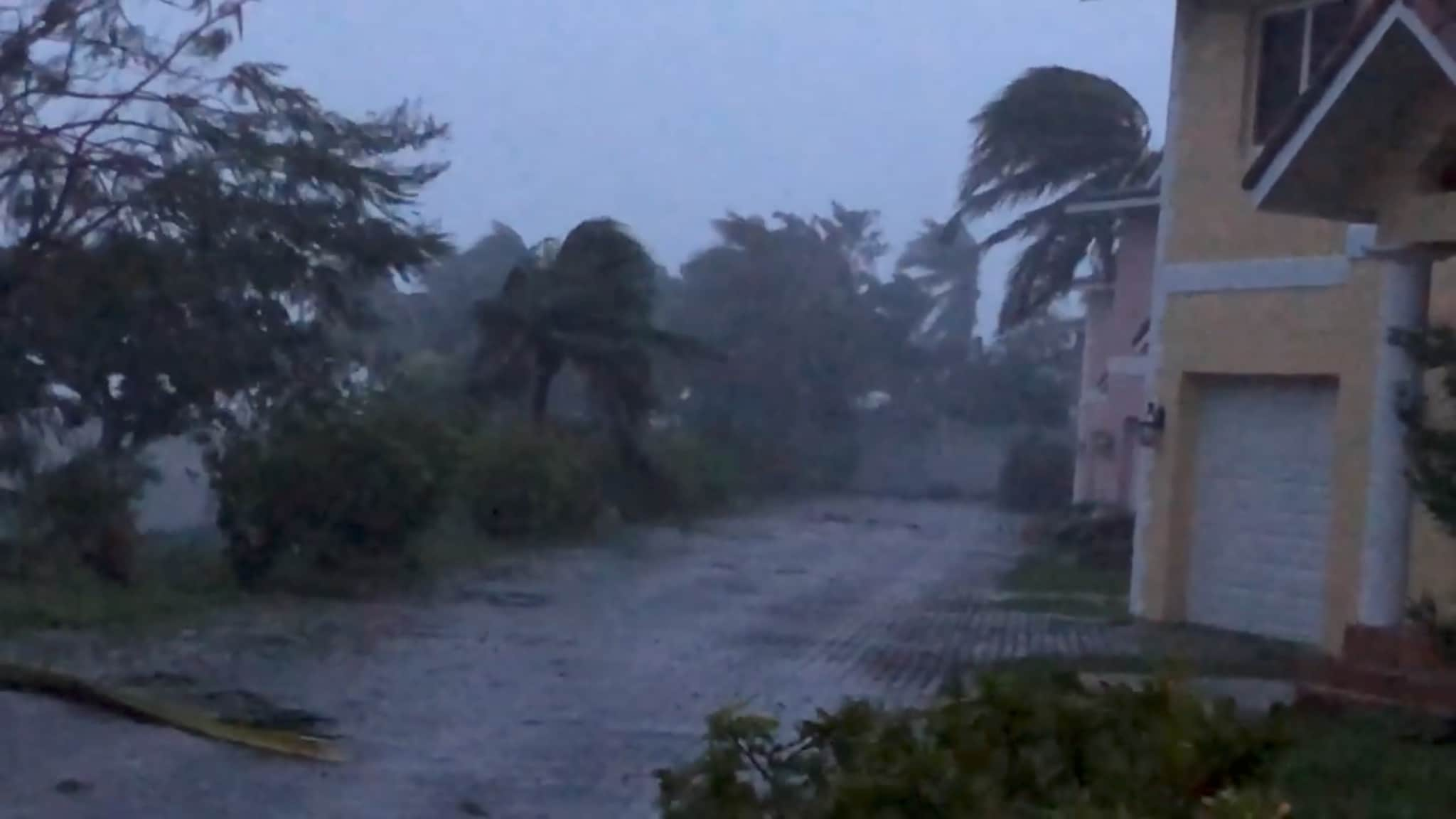 Strong winds batter Oceanhill Boulevard in Freeport, as Hurricane Dorian passes over Grand Bahama Island, Bahamas September 2, 2019 in this still image taken from a video by social media. Lou Carroll via REUTERS