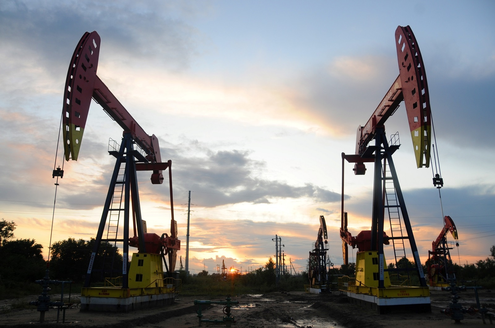 4. Crude Oil: U.S. crude ticked up 0.27 percent to $56.64 a barrel, while Brent crude rose to 0.29 percent & $62.54 per barrel in a sign some investors anticipate higher demand for energy and fuel in the future due to stronger economic activity. (Image: Reuters)