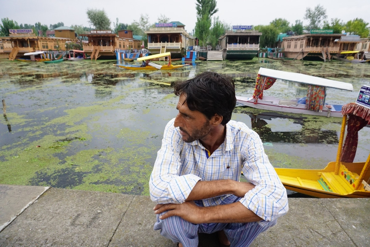 Dal Lake is famous for its floating vegetable market, which supplies varieties of vegetables to many towns across the Kashmir valley.