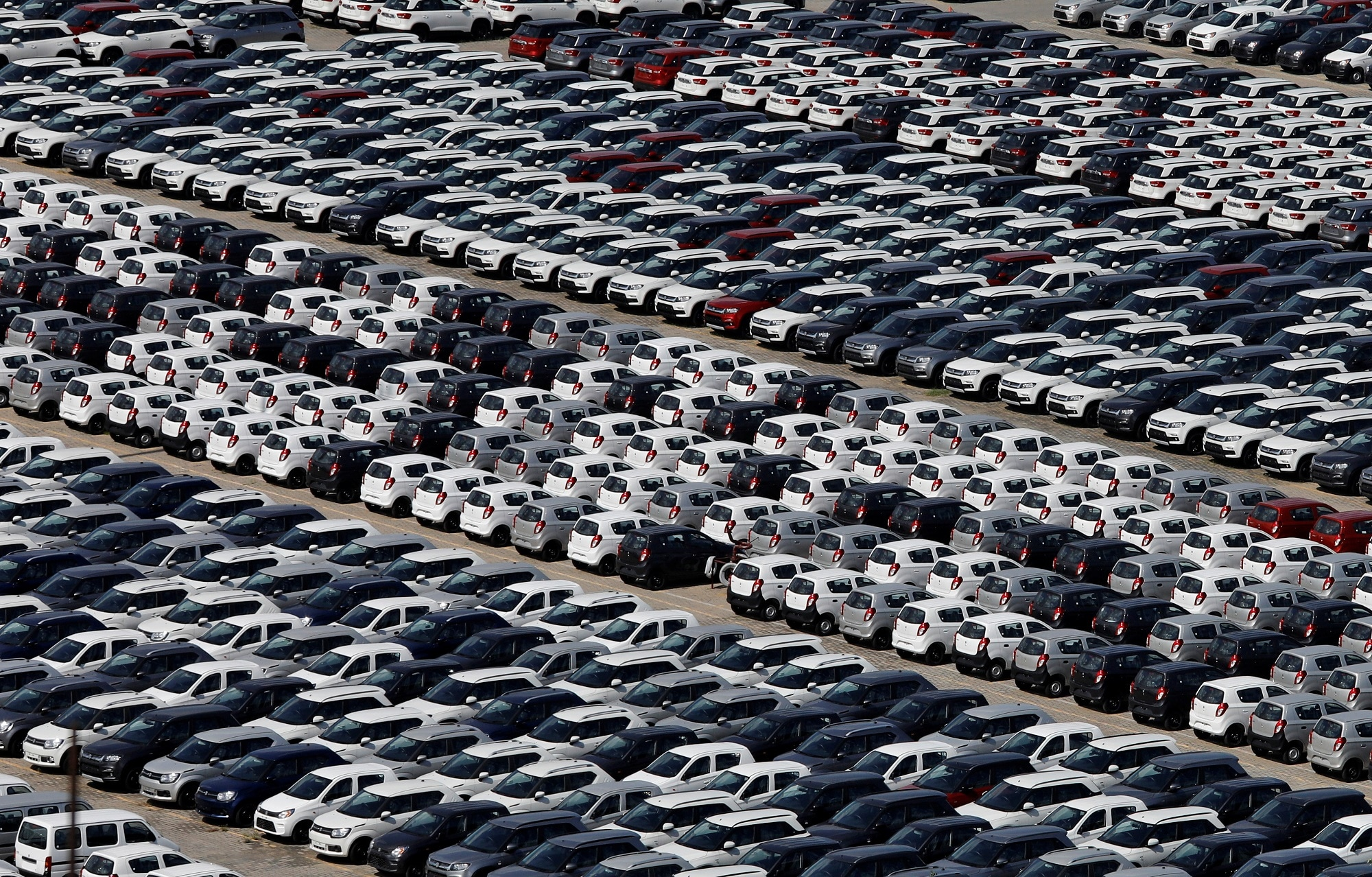8. SIAM On Auto Industry: Automotive industry body SIAM on Friday sought government intervention to help the sector in the smooth transition to BS-VI emission norms from April next year, saying the prospect of abrupt stoppage of manufacturing and sales of BS-IV vehicles overnight posed a