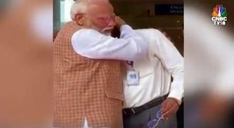 Watch: ISRO chief breaks down, Modi hugs, consoles him