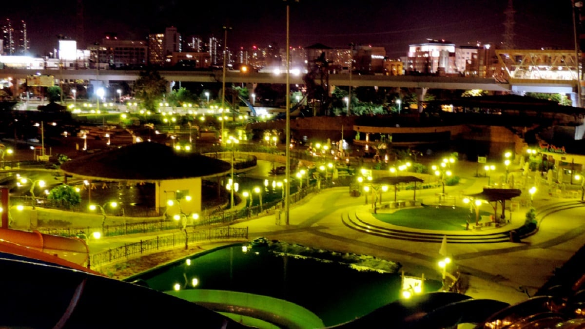 9: NCR's Golf Couse Road ranks ninth in the list of most expensive luxury residential destinations, with an average price of Rs 12,500 per sq. ft. The locality along with Karol Bagh recorded an aggregate supply of 5,630 luxury units since 2013 till date. (Representational Image: Wikimedia Commons)