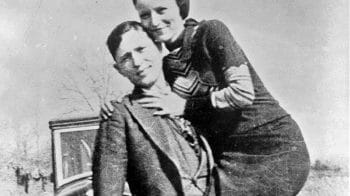 Items linked to crime duo Bonnie & Clyde sold for $1,86,000