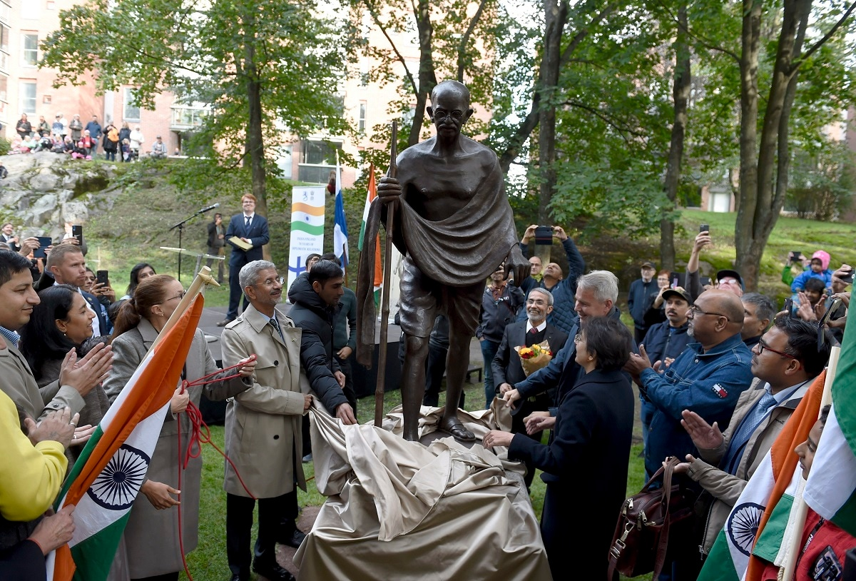 These Are Some Of Our Favourite Statues Of Mahatma Gandhi -5228