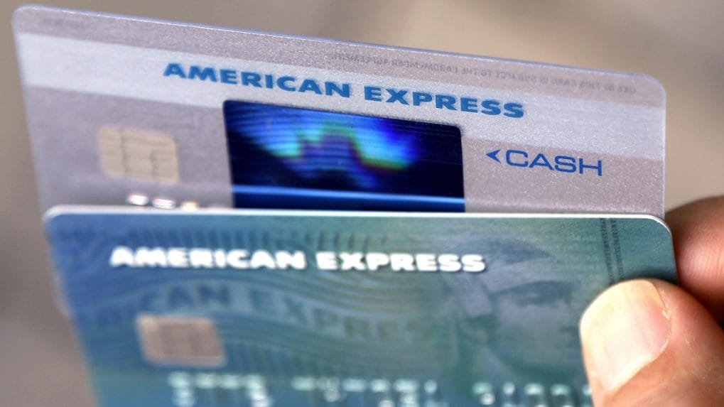 RBI bars American Express, Diners Club from adding new customers over  non-compliance of data storage norms - cnbctv18.com