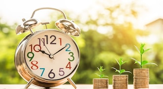 Planning to open fixed deposit account? Here are 4 things to consider before investing
