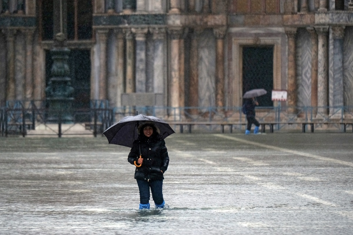 With four tides above 140 cm since Monday, this is the worst week for high tides in Venice since 1872 when official statistics were first produced. REUTERS/Manuel Silvestri