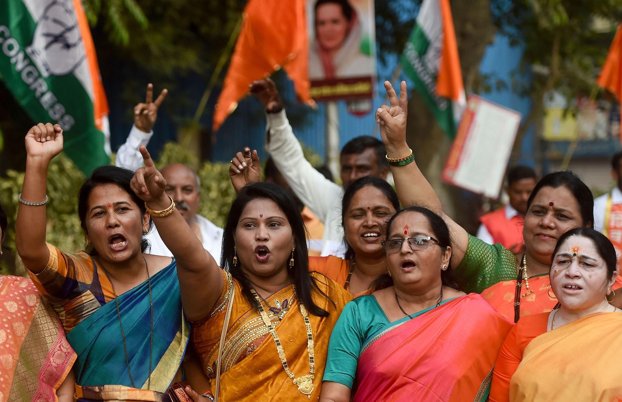 Mumbai: Alliance supporters arrive for the Maharashtra Ministry's swearing-in ceremony, at Shivaji Park in Mumbai, Thursday, Nov. 28, 2019. (PTI Photo/Shashank Parade)