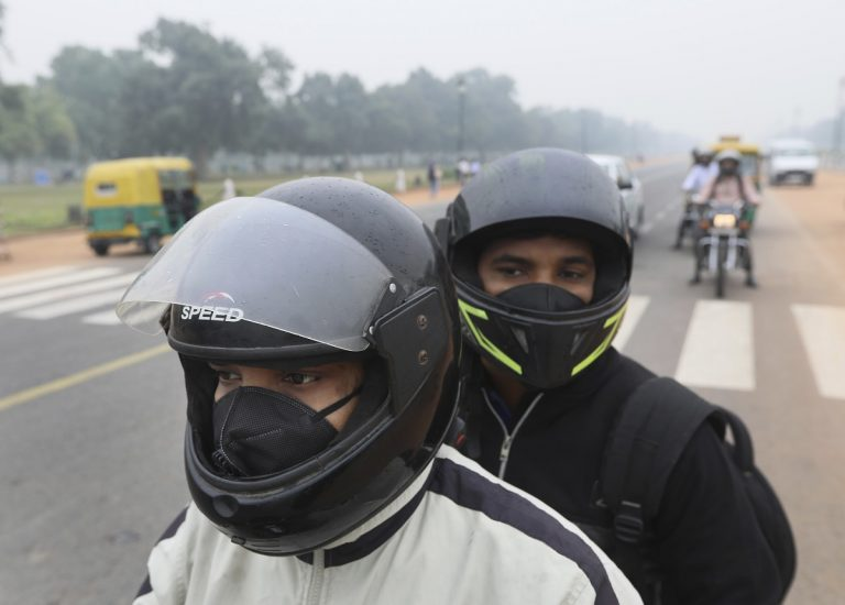 Breathing in Delhi-NCR 'huge risk' for healthy lungs, say experts
