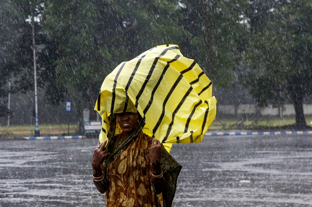 Bangladesh, a nation of 16 crore people, has a history of violent cyclones. But disaster preparedness programs in recent decades have upgraded the country's capacity to deal with natural disasters, resulting in fewer casualties. (AP Photo/Bikas Das)