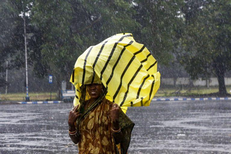 Cyclone Bulbul disrupts normal life in Bengal; 4 killed
