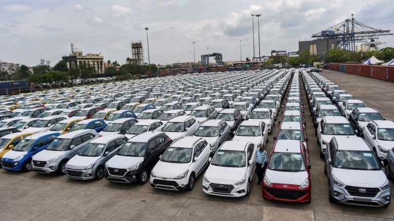 Auto stocks rise on encouraging July auto sales numbers
