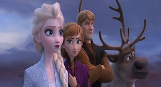 'Frozen 2' ices competition again with record Thanksgiving