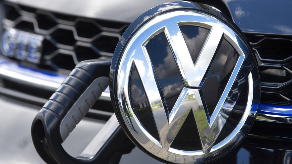 Volkswagen takes on Tesla with first ID.4 electric models in China