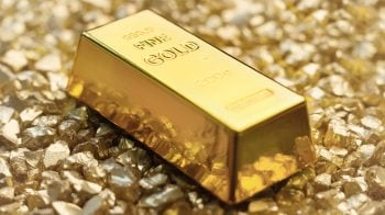 Gold price falls Rs 26, silver declines Rs 201