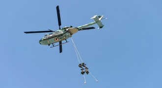 Lucknow: Army personnel descend from a chopper as they rehearse for the Defence Expo 2020, in Lucknow, Sunday, Feb. 2, 2020. Prime Minister (PM) Narendra Modi is expected to inaugurate the mega event, to be held from Feb. 5 to Feb. 9.(PTI Photo/Nand Kumar) (PTI2_2_2020_000092B)