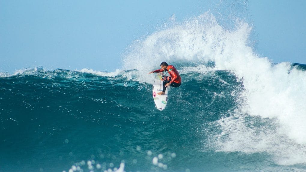 Surfing lessons: Learning the right way to ride a wave in Australia