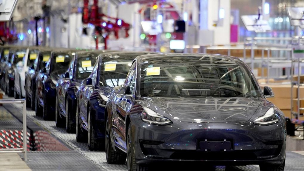 SPEED TAKE: Auto makers appear on fast lane to recovery