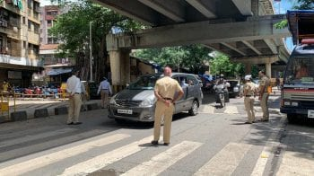 Noida: 64 people arrested, 1,904 vehicles penalised for violating COVID-19 curbs