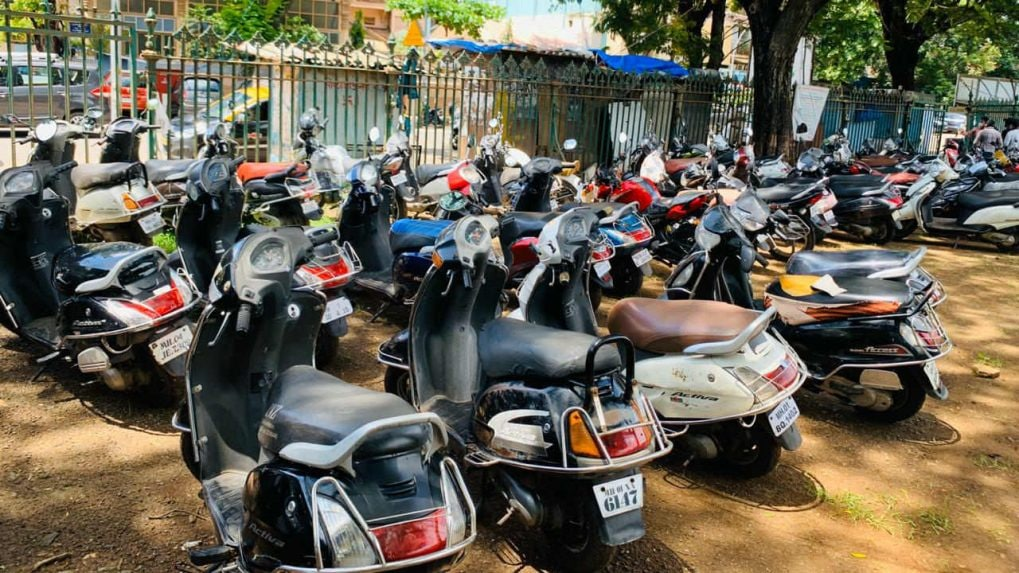 Validity of motor vehicle documents, driver's licence extended till September 30