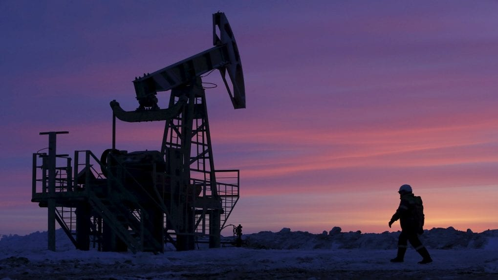 Oil rises as threat recedes of Iran supply resuming soon