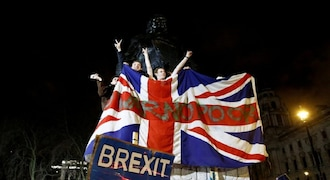 UK could rewrite treaty-breaking Brexit bill as part of EU deal: Report