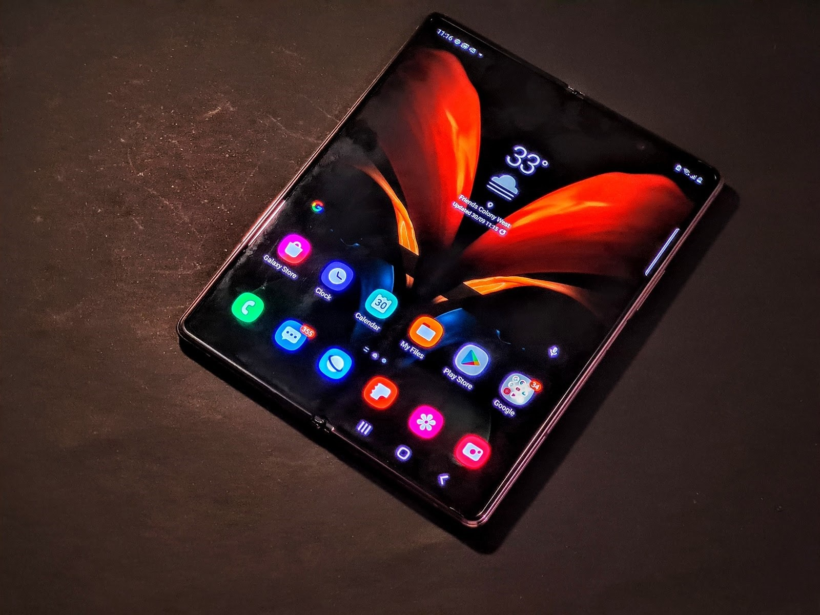 Review 5 Days With Samsung Galaxy Z Fold 2 Its Second Attempt At A True Foldable Phone Cnbctv18 Com