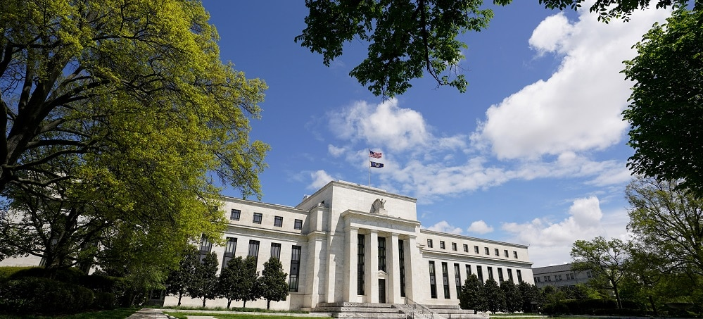 US Fed signals easing fiscal policy if economic recovery continues