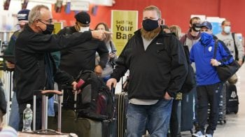 Americans risk travelling over Thanksgiving despite warnings