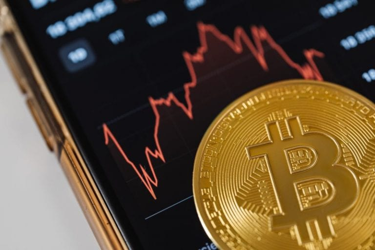 When to trade bitcoin? What astrology tells about the cryptocurrency's movement