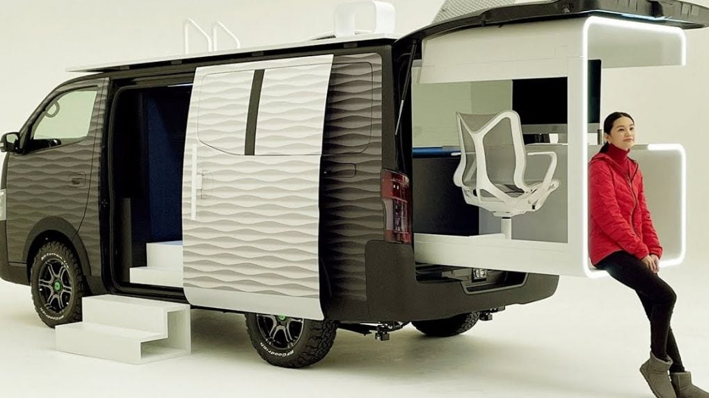 Nissan NV350 Office Pod allows you to work while you travel, from anywhere