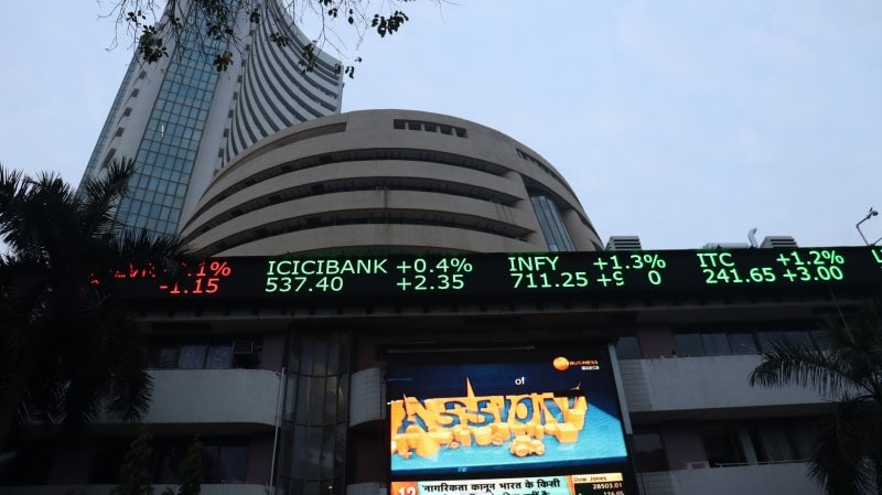 Closing Bell: Sensex gains 600 points, Nifty above 15,800; Metal, realty, IT stocks rally