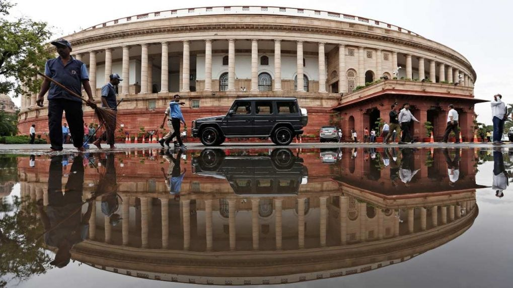 Parliament LIVE Updates: Lok Sabha witnesses unruly scenes as Congress members throw papers at Chair, Treasury benches