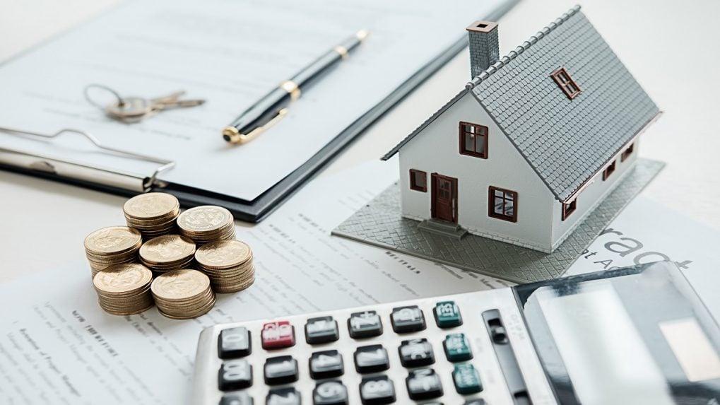 1.7 lakh homes worth Rs 1.4 lakh crore stuck in limbo: Anarock