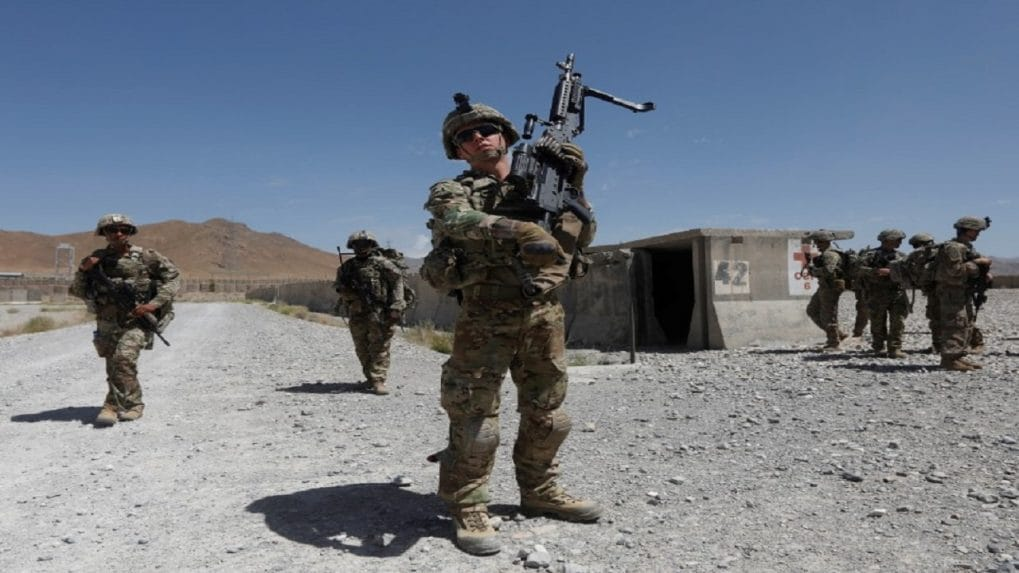 In symbolic end to war, US general steps down from Afghanistan command