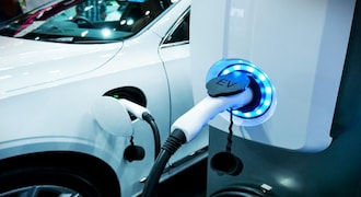 Jio-BP partners with BluSmart to set up EV charging stations