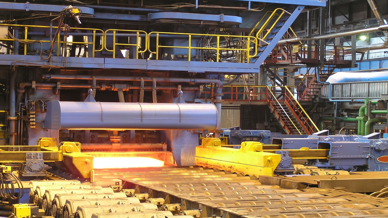 Prakash Industries    The company achieved the highest-ever steel sales of around 2,72,142 tonnes in Q4FY21, recording a growth of 8.85 percent QoQ and 31.16 percent YoY. In FY21, total steel sales were at 9,54,760 tonnes, a growth of 3.13 percent over FY20 despite disruptions due to the COVID-19 pandemic.