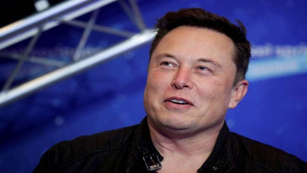 Musk tweet dents bitcoin, but weekly gain in prospect