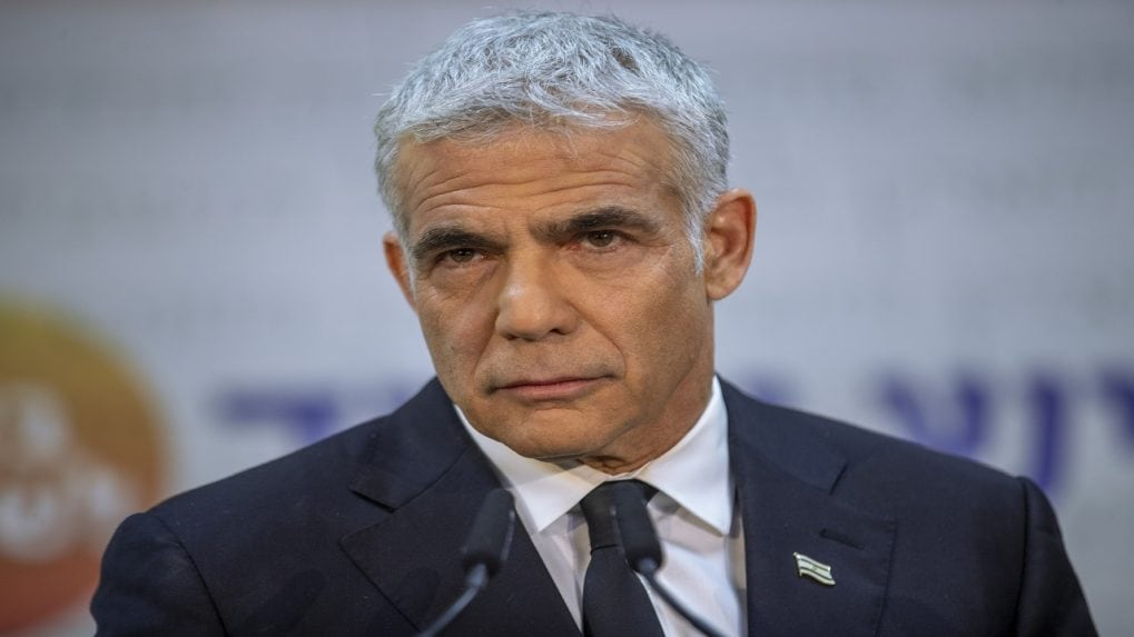 Have numbers to form new government, Yair Lapid tells Israel president